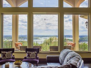 Luxury 4BR/3.5BA Jonestown Home - Stunning Lake Views & Clubhouse Access