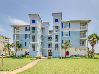 Oceanfront Pointe West condo w/ shared pool, hot tub, firepit, & views!