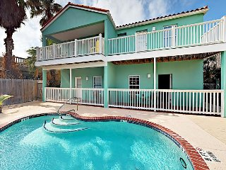 2BR Condo w/ Community Pool, 2 Minutes from Beach