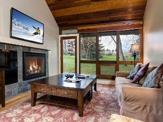 4BR Ski-in, Ski-out Condo w/Hot Tub, Free Shuttle to Park City Mountain Resor