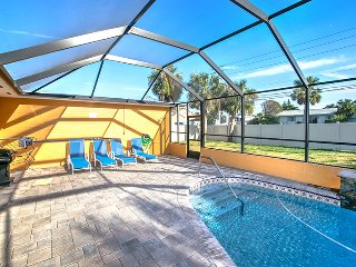 Beautiful 4 Bedroom / 2 Bath Home With A Pool On Beachside, Ormond Beach