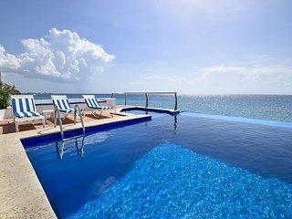 Elegant 4 Bedroom Oceanfront condo at Paseo del Sol II - CZPSD2S