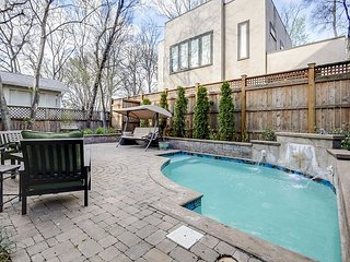 Charming Southern Home - Backyard Pool, Excellent 12South Location