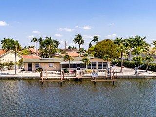 3BR/2BA Waterfront Home on Estero Bay w/ Private Dock & Patio, Bonita Springs