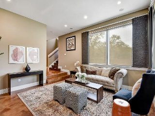 Modern Townhouse w/ Patio and Deck - Near Downtown and Zilker Park