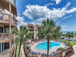 Large 3 bed Luxury Condo w Two Oceanview Balconies!