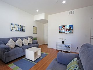 Contemporary Condo, with View of Fireworks From Patio! – 3 Minutes to