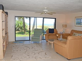 Lighthouse Town House - 2 Bedroom / 2.5 Bath with Oceanview