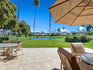 3BR, 3BA Palm Desert House on Lake