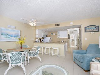 Plantation Palms #205 w/ Resort Pools, Hot Tubs, & Tennis - Steps to Beach