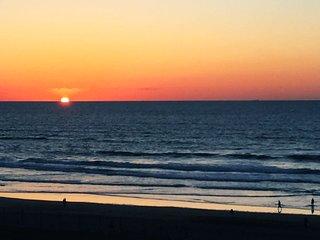 Apt Pestana Vue mer, coucher de soleil et grande terrasse