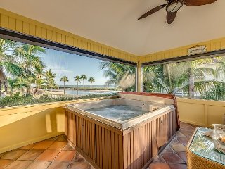 Stunning 5BR w/ Hot Tub, Private Pool, Lanai & Gulf View - Walk to Beach