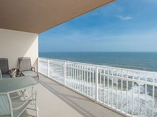3BR/3BA Beachfront Condo at Crystal Shores West—Pool, Fitness & Game Room
