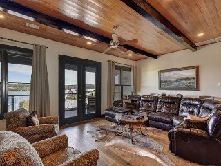 Amenities Grace this 3BR, 2.5BA Lake Travis Villa—The Way Life Should Be