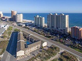 2BR, 2BA Las Palmas Resort Condo – Pool Access, Across the Street from Beach
