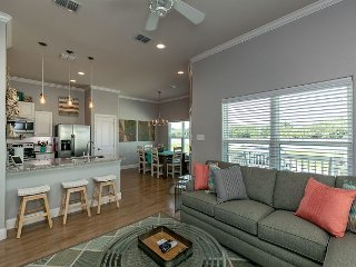 3BR, 2BA Chic All-New Beach House in Rockport w/ Pool