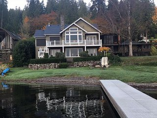 Lake Sammamish Waterfront w/Dock-Backs to Weowna Park Trails, Bellevue