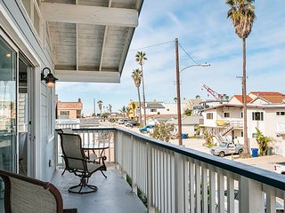 Updated 2BR w/ Balcony Views & Shared Patio - Walk to Beach & Dining