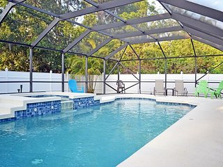 Well Appointed Home with Heated Pool Just Off Siesta Key Close Gulf Gate Area