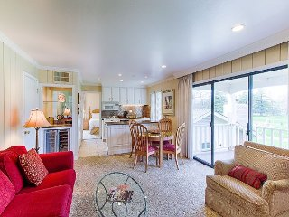 Elegant 2BR apartment with golf views in Silverado Resort and Spa