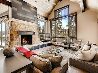 New! 7BR 9K Sq/Ft Summit at Shock Hill in Breck - Hot Tub, Theater, Elevator!