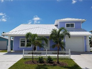 New 4BR, 3BA in Mustang Royale Gulf-Front Community, Boardwalk to Beach