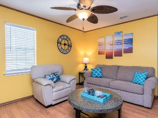 3BR, 2BA South Padre Island Duplex – Shared Pool, Walk to Beach & Dining