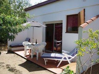 Studio jardin à 200m de la mer en centre ville, Calvi