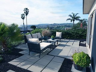 3BR,3BA Modern-Zen Home in San Clemente: Panoramic Ocean Views, Italian Decor