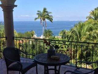3BR/4.5BA Sierra Del Mar Villa in Puerto Vallarta—Private Pool, Walk to