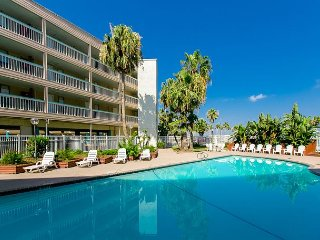 1 BR North Beach Oceanfront! Remodeled Villa Del Sol Condo w/ Balcony & Pool