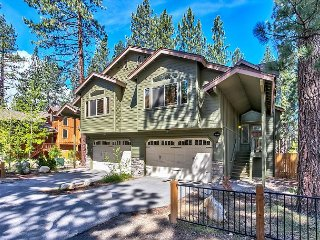 Brand New Condo w/ Pool Table and Private Hot Tub, South Lake Tahoe