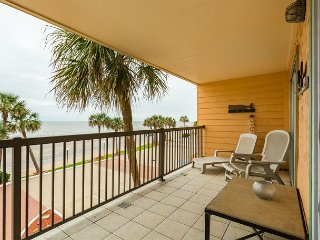 Relax At This Beachfront Resort Condo W/Direct Gulf Views and Updated Decor