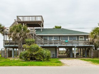 Area Not Impacted by Hurricane: Family-Friendly 3BR Home Steps to the Beach