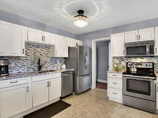 New 3BR, 2.5BA St. Petersburg Home - 5 Minute Bike to Trails and Waterways