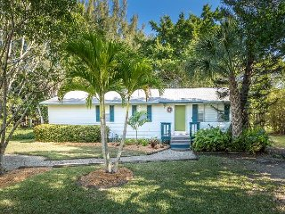 3BR, 2BA Centrally Located Sanibel Island House on Quiet Street Near Beaches