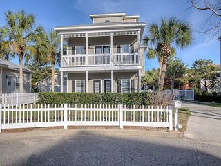 "3BR 'Serenity Now"" Beach House w/ Pool & Outdoor Shower, 400 Feet From"