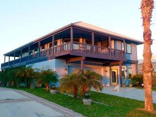 Big Blue Beach House!!