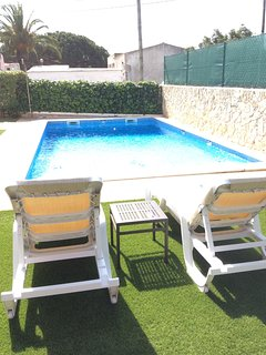 Private pool with sun loungers for 8