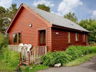 Cosy Lodge, sleeps 5- Nr Arisaig & the Beach