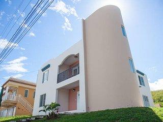 Casa lujosa cerca de Playa Jobos  para 16 personas