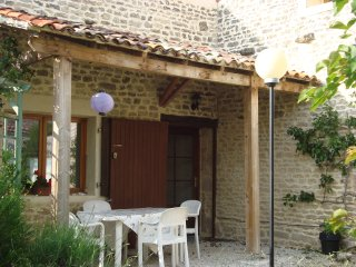 Renovated house 30 minutes drive to La Rochelle.