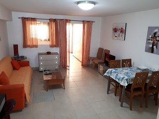 Modern Studio Apartment, private entrance, Very spacious, Free Wifi, near sea