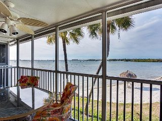 Your Private Beach Is 12 Steps Away: 1BR at Bermuda Bay Beach & Racquet Club