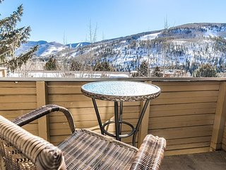 1BR Loft Near Year-Round Attractions with Vail Mountain Views