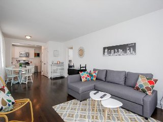 Hip East Nashville Home, Walk to Restaurants and Bars; 10 Mins to Downtown
