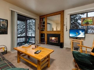 1BR Condo at the Base of The Canyons - Walk to Ski Lift! Pool & Clubhouse