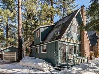 3BR, 2BA South Lake Tahoe House w/Hot Tub: Near Heavenly & Camp Richardson