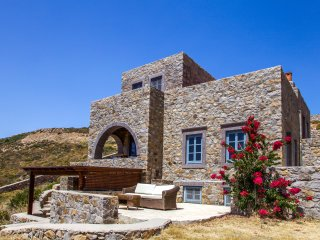 Calmness and Spiritual Patmos Villa, 4BR, 150m sea.