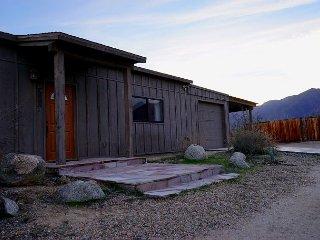 Spacious 3BR Borrego Springs Home, Walk to Downtown, Amazing Mountain Views!